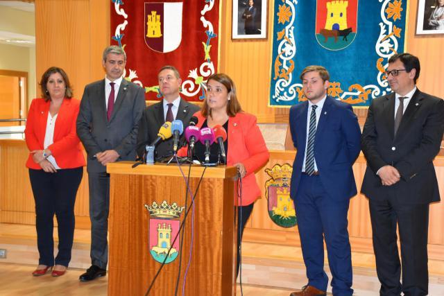 Tita García destaca la colaboración para impulsar proyectos en Talavera: suelo industrial, planes de empleo, ciudad 5G o artesanía