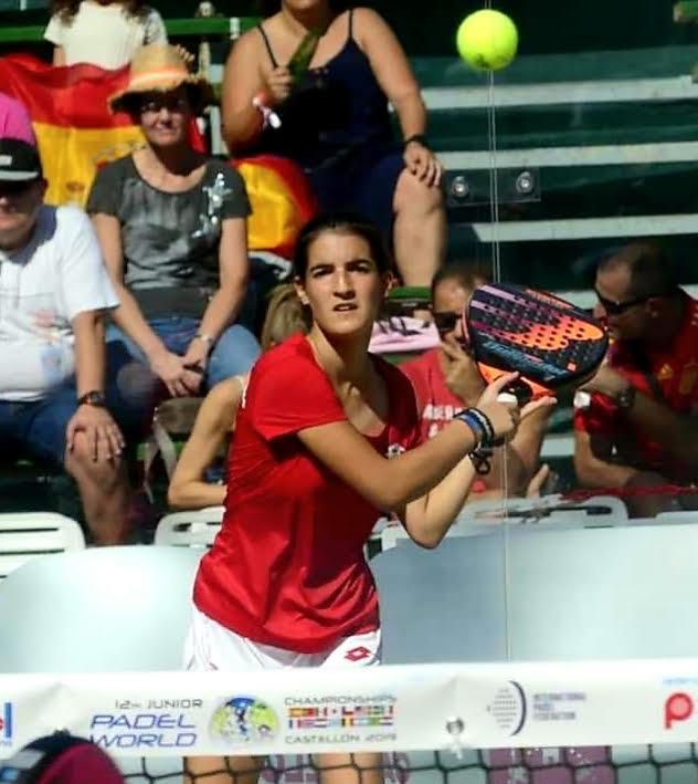 La torrijeña Noemí Aguilar, doble campeona del mundo junior de pádel