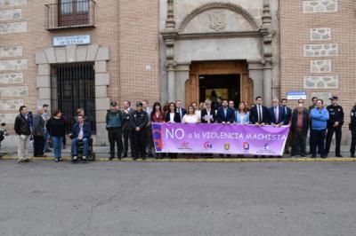 Minuto de silencio en Talavera por las mujeres asesinadas en octubre por la violencia de género