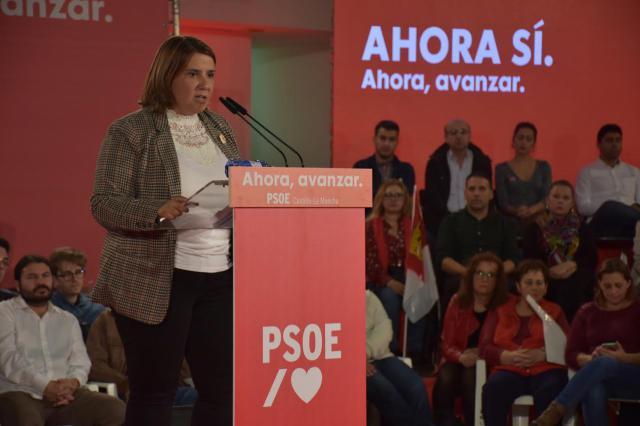 """Tita García Élez: """"si entra la derecha, vuelan los derechos que tanto nos ha costado conseguir"""""""