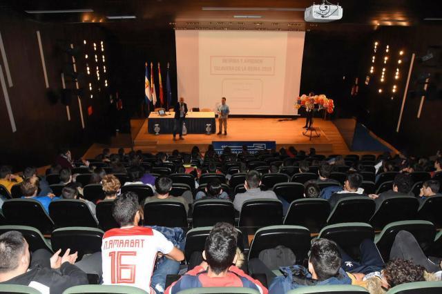Las Jornadas de SEMG comienzan en Talavera con actividades para MIR y alumnos de Secundaria