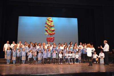 Alumnos de seis colegios talaveranos cantaron a la Navidad en la primera jornada de la Muestra de Villancicos