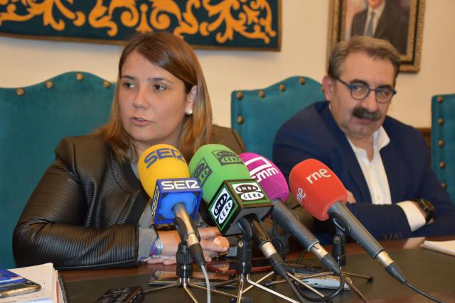"""Tita García: """"la mala gestión del anterior Gobierno del PP ha hipotecado a la ciudad de Talavera"""""""