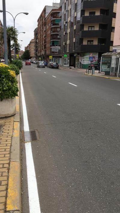TALAVERA | Se retoma la pintura de pasos de peatones y señalización horizontal