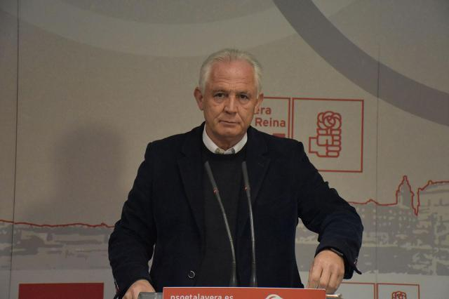 """Camacho recuerda al PP que en siete años no ha habido un sólo euro de inversión, """"ni en alta velocidad ni en tren convencional"""""""