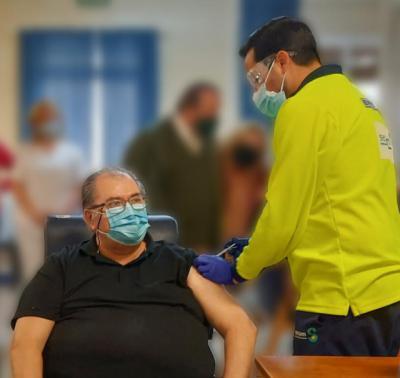 COVID-19 | Luis y Arsenia, primeros talaveranos en recibir la vacuna