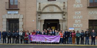 Minuto de silencio en Talavera por las 7 mujeres asesinadas en enero
