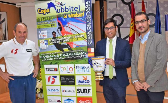 Cazalegas acoge la Copa Nubbitel de Windsurf de Aguas Interiores