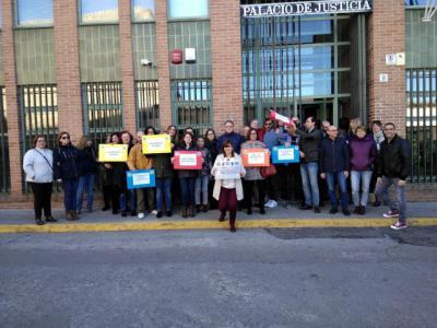 Funcionarios de Justicia se movilizan en Talavera para exigir equiparación salarial