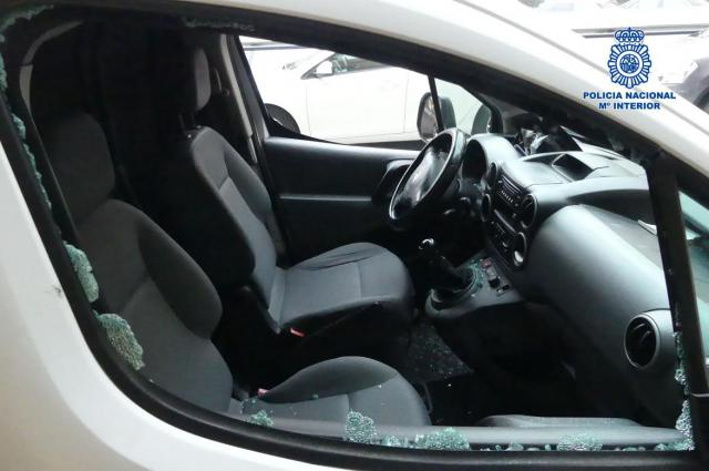 Una persona detenida por robar en cinco vehículos de empresa