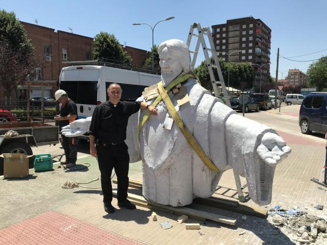 La imponente estatua del Corazón de Jesús ya está en Talavera