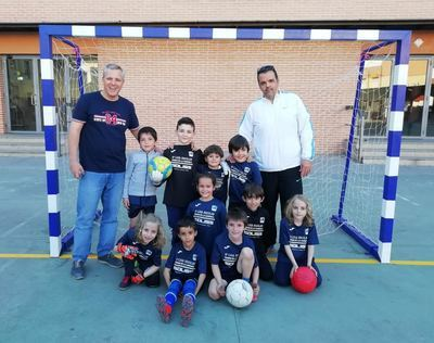 Emoción en la VI Liga Escolar de Fútbol Sala 'Ciudad de la Cerámica'