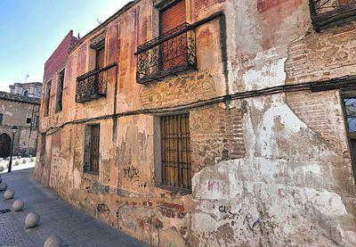 """Este viernes Ayuntamiento y vecinos se reúnen por las """"presuntas irregularidades"""" de la vivienda de María Rodríguez"""