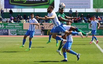 Una imagen del partido de ayer domingo del CF Talavera en Villanueva de la Serena