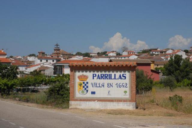El PP de Julián Lozano gana las municipales en Parrillas