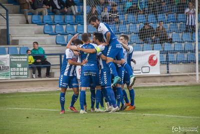 El CF Talavera lo hizo todo bien. Flamante 4-0 al histórico CD Badajoz