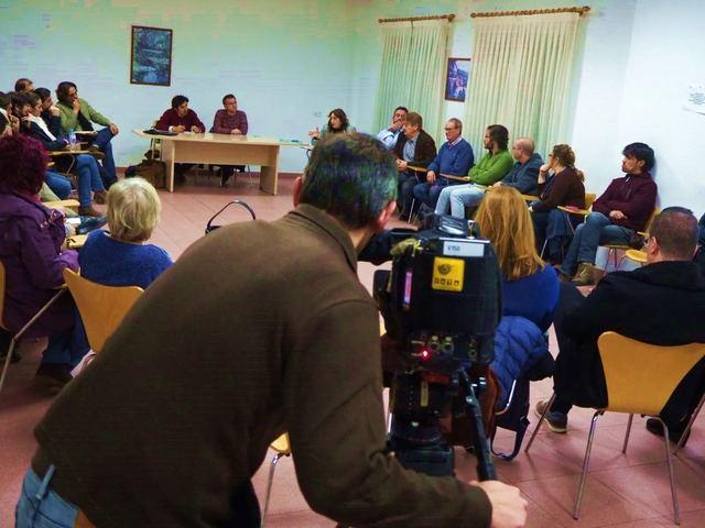 Unas 40 personas participan en la asamblea de Ganemos Talavera