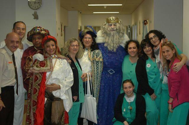 Los Reyes Magos visitan a los niños ingresados en el Hospital General Nuestra Señora del Prado