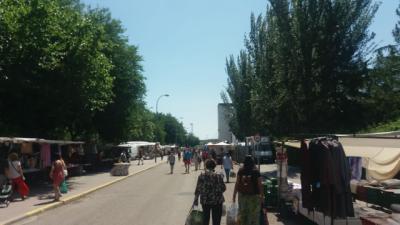 TALAVERA | El Ayuntamiento reduce los puestos del mercadillo al 50 por ciento