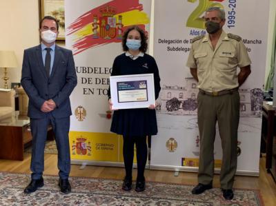 COLEGIO MARISTAS | Las Fuerzas Armadas premian a la talaverana Sofía García