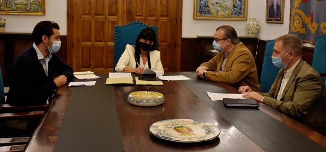 TALAVERA | El Ayuntamiento renueva su convenio con Cáritas