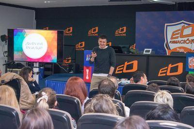 Eloy Moreno apela al 'pensamiento positivo y emprendedor' en una conferencia en Ébora Formación