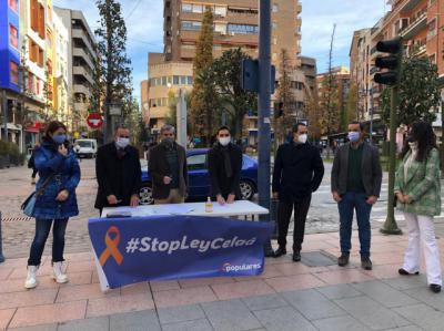 TALAVERA | El PP recoge firmas contra la Ley Celaá