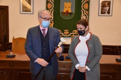 TALAVERA   El Ayuntamiento reconoce las casi tres décadas de trayectoria profesional de Felipe Granados