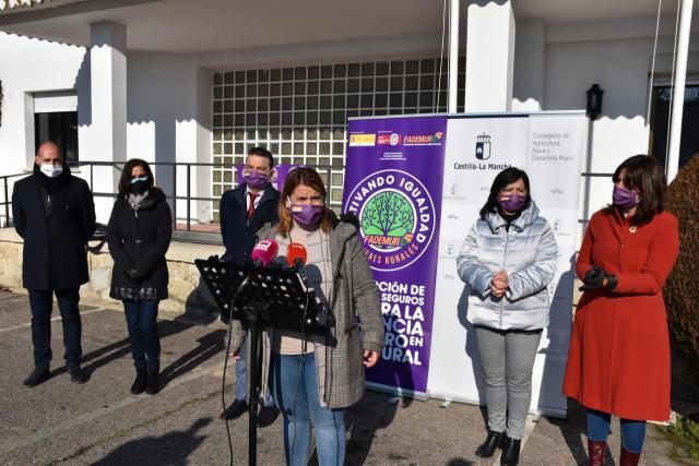 TALAVERA | La ciudad cuenta con 50 espacios municipales 'libres de violencia contra las mujeres'