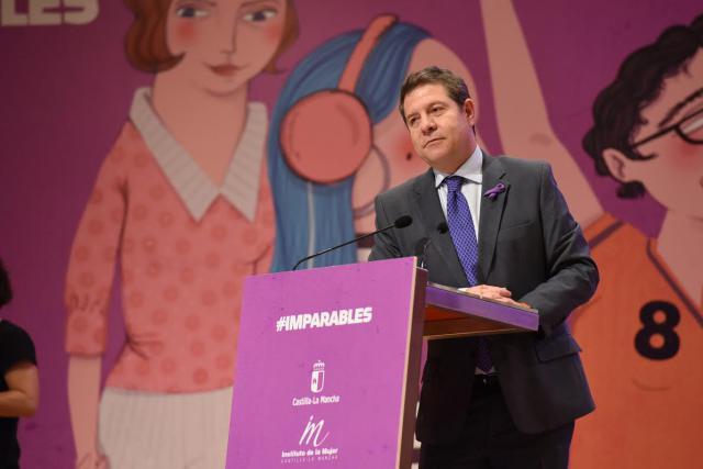 8M   'Mujeres imprescindibles que fueron, son y serán', por García-Page