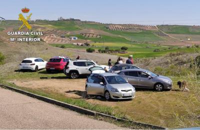 EN UN PUEBLO DE TOLEDO | Fiesta ilegal con 65 personas en una casa rural