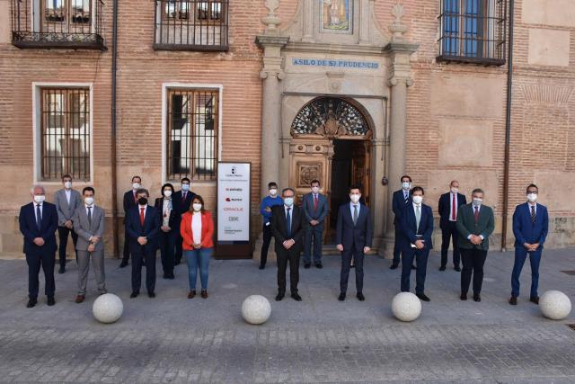 """TALAVERA   Tita García: """"abriremos las puertas de la ciudad a empresas y multinacionales con proyectos de desarrollo y futuro"""""""