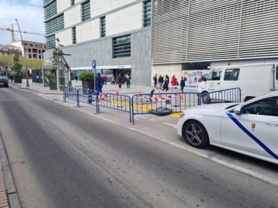 TALAVERA | El Ayuntamiento mejora la parada de taxis junto a la estación de autobues