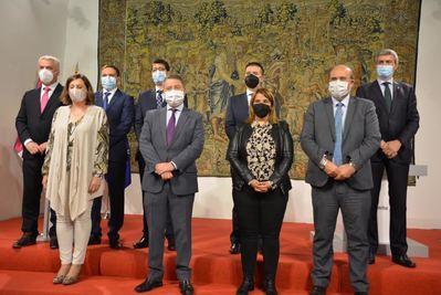 ACUERDO | CLM y diputaciones firman un plan de empleo