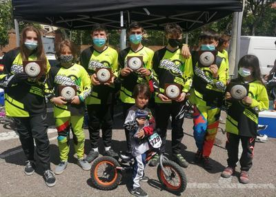 El Club Los Pinos logra ocho medallas en Talavera