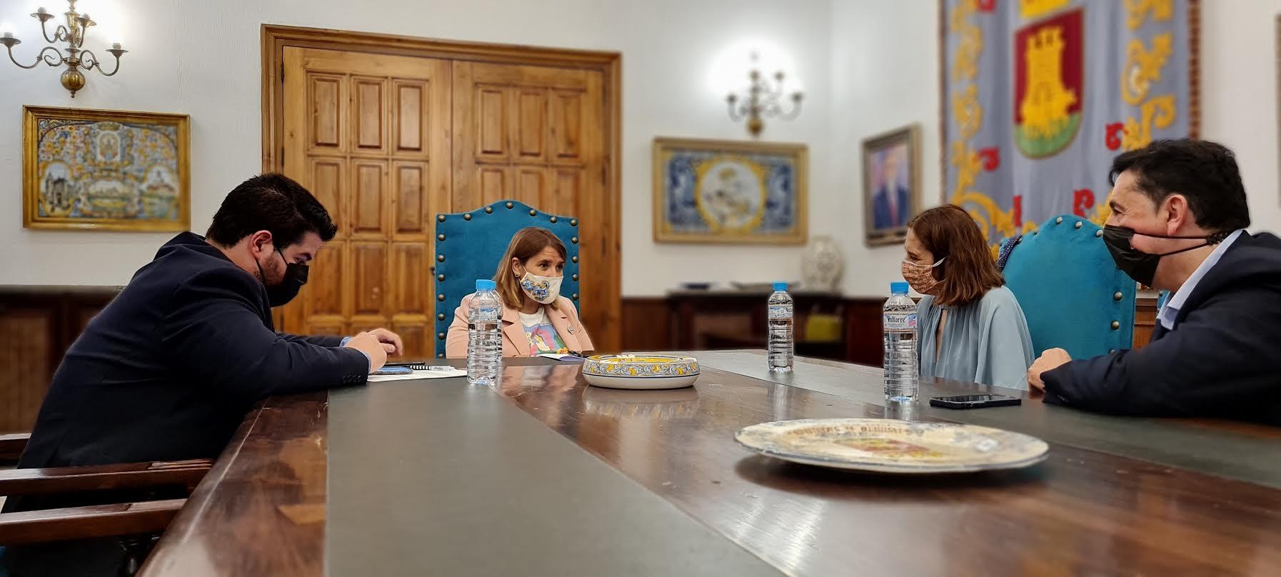 """Reunión con Telefónica para """"mejorar"""" las comunicaciones en Talavera"""