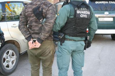 Dos personas detenidas por un robo con violencia cometido en Cebolla