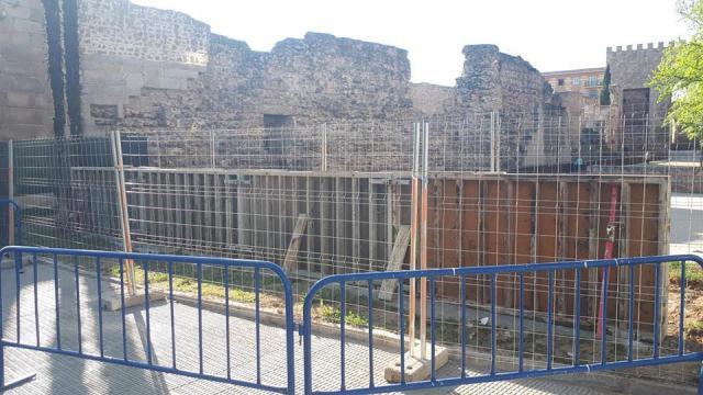 Paralizan la obra del muro frente a la muralla hasta que se cuente con los permisos oportunos