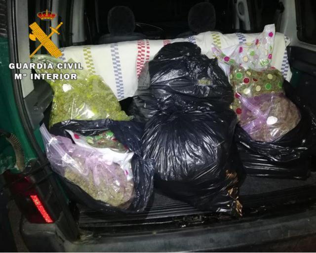 La Guardia Civil sorprende a un hombre transportando más de 19 kilos de marihuana en Illescas