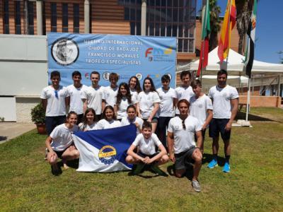 Gran actuación del Club Natación Aqüis en Badajoz