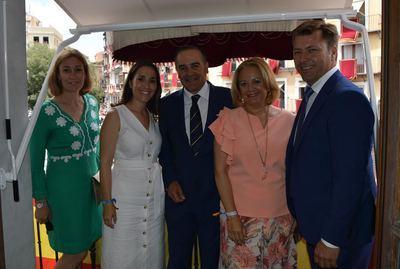 Gregorio y los diputados provinciales del PP asisten a la procesión del Corpus en Toledo