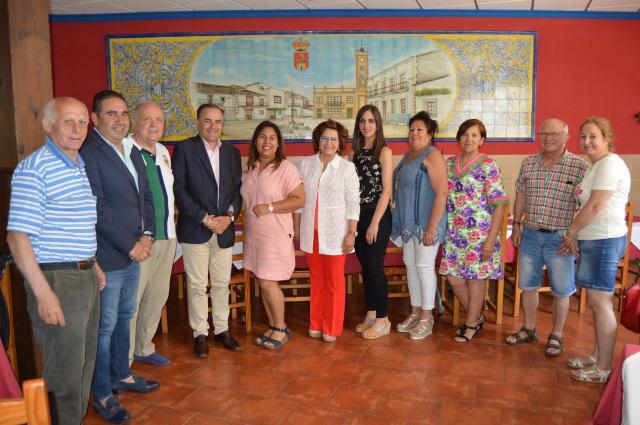 José Julián Gregorio, Carmen Riolobos e Inocencio Gil visitan Navalcán