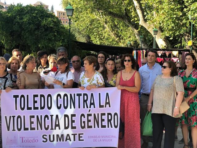 Concentración contra la violencia de género en Toledo