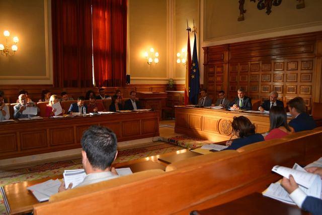 La Diputación aprueba destinar 10 millones de euros a inversiones municipales