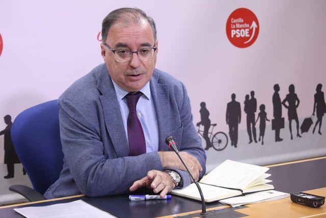 El PSOE CLM a PP: 'Page no está en Bruselas de recreo, está buscando una solución al problema de los aranceles de Trump'
