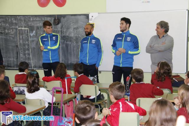 El Soliss FS Talavera inaugura una nueva temporada de Aula Futsal en el Colegio 'Clemente Palencia'