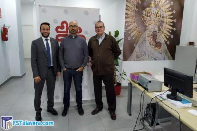 Convenio entre Soliss FS Talavera y Cáritas para formar parte del proyecto 'Empresas con Corazón'