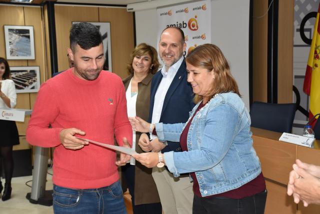12 jóvenes desempleados de Talavera y comarca se forman en Cárnicas Otero gracias a CREA