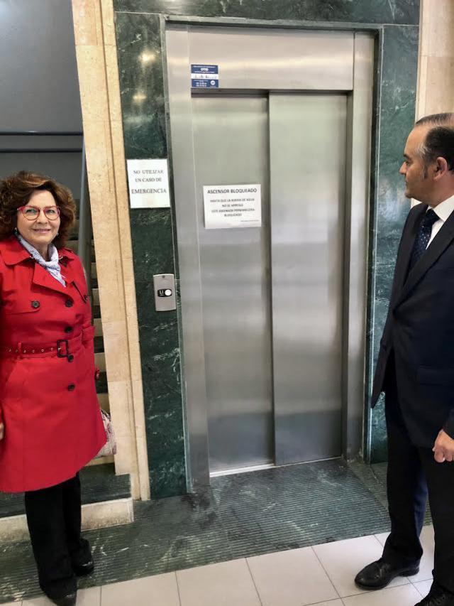 """Reclaman """"el arreglo urgente"""" del ascensor del Centro Social de la Solana"""