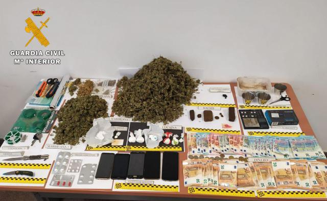 6 detenidos y desactivado a un importante punto de venta de droga: cocaína, hachís, marihuana, speed y cristal